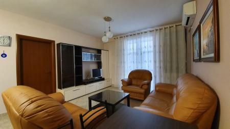 Apartament 2+1 - Qira Rruga Frederik Shiroka