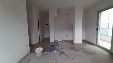 Apartament 1+1 - Shitje Rruga Odhise Grillo