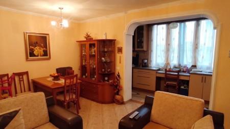 Apartament 2+1 - Shitje Rruga Ali Visha