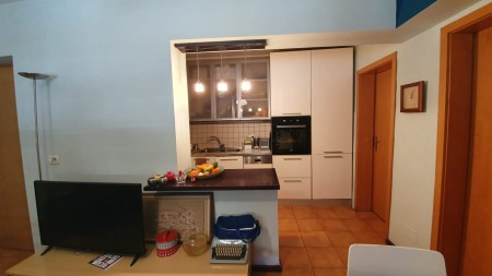 Apartment 3+1 - For sale Rruga Gjik Kuqali