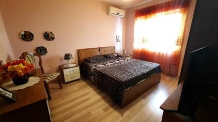Apartament 2+1 - Shitje Rruga Myslym Shyri