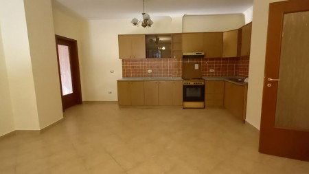 Apartament 2+1 - Qira Rruga Muhamet Gjollesha