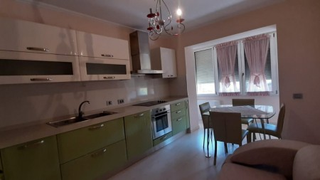 Apartament 1+1 - Qira Rruga Komuna e Parisit
