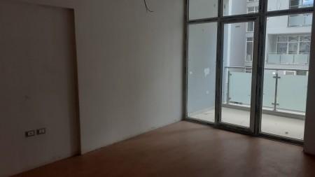 Apartament 3+1 - Qira Rruga Tish Dahia