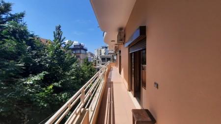 Apartament 3+1 - Qira Rruga Pjeter Budi