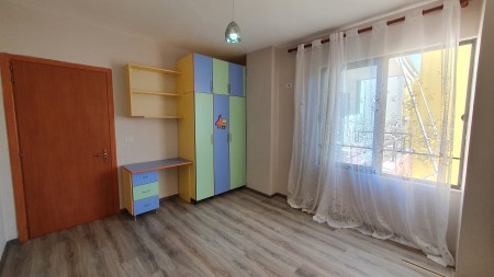 Apartament 2+1 - Shitje Rruga 3 Deshmoret
