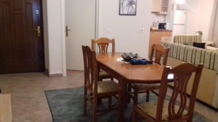 Apartament 2+1 - Qira Rruga Reshit Çollaku