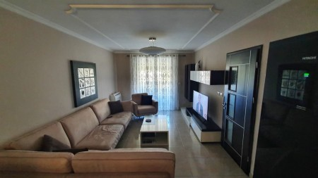 Apartment 4+1 - For sale Rruga Muhamet Gjollesha
