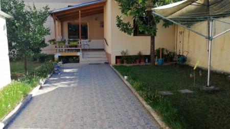 Vilë - Qira Rruga Mihal Grameno