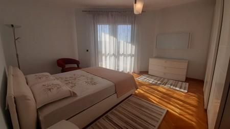 Apartament 3+1 - Qira Rruga Abdi Toptani