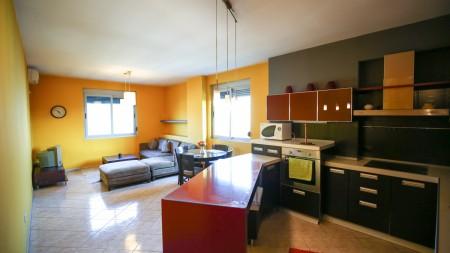 Apartament 2+1 - Shitje Rruga Reshit Petrela