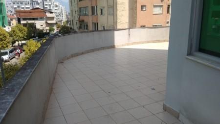 Zyrë - Shitje Rruga Tish Dahia