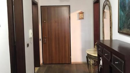 Apartament 3+1 - Shitje Rruga Margarita Tutulani