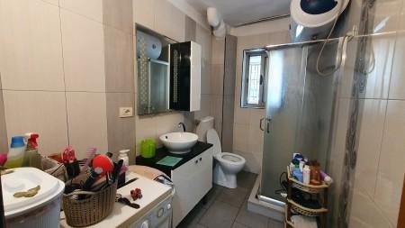 Apartament 1+1 - Shitje Rruga Ferit Xhajko