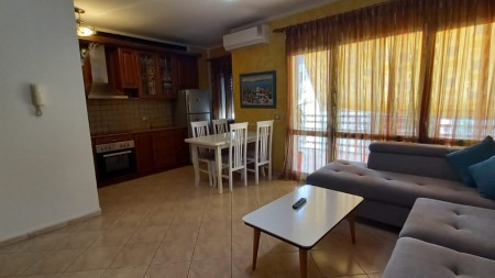 Apartament 3+1 - Qira Rruga e Durrësit