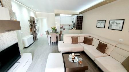 Apartament 2+1 - Qira Rruga e Kosovarëve