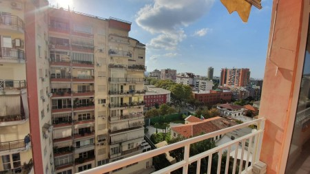 Apartment 4+1 - For sale Rruga Jan Kukuzeli