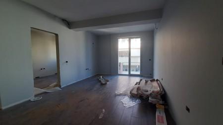 Apartament 1+1 - Shitje Rruga Tafaj