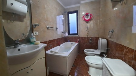 Apartment 2+1 - For sale Rruga Hysen Gjura