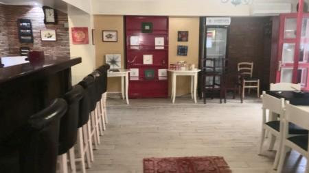 Bar-Restaurant - For Rent Sheshi Uillson