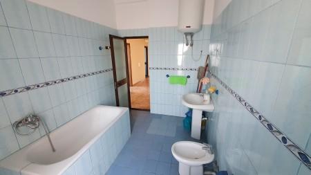 Apartment 2+1 - For sale Rruga Muhamet Gjollesha