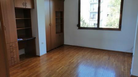 Apartament 4+1 - Qira Rruga Ferit Xhajko